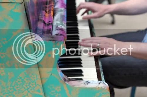 Street Piano London 2011 4