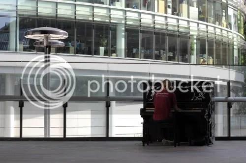 Street Piano London 2011 9