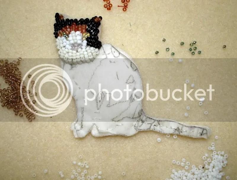 beaded Faz the Cat feline bead embroidery wearable fine art jewelry brooch pin