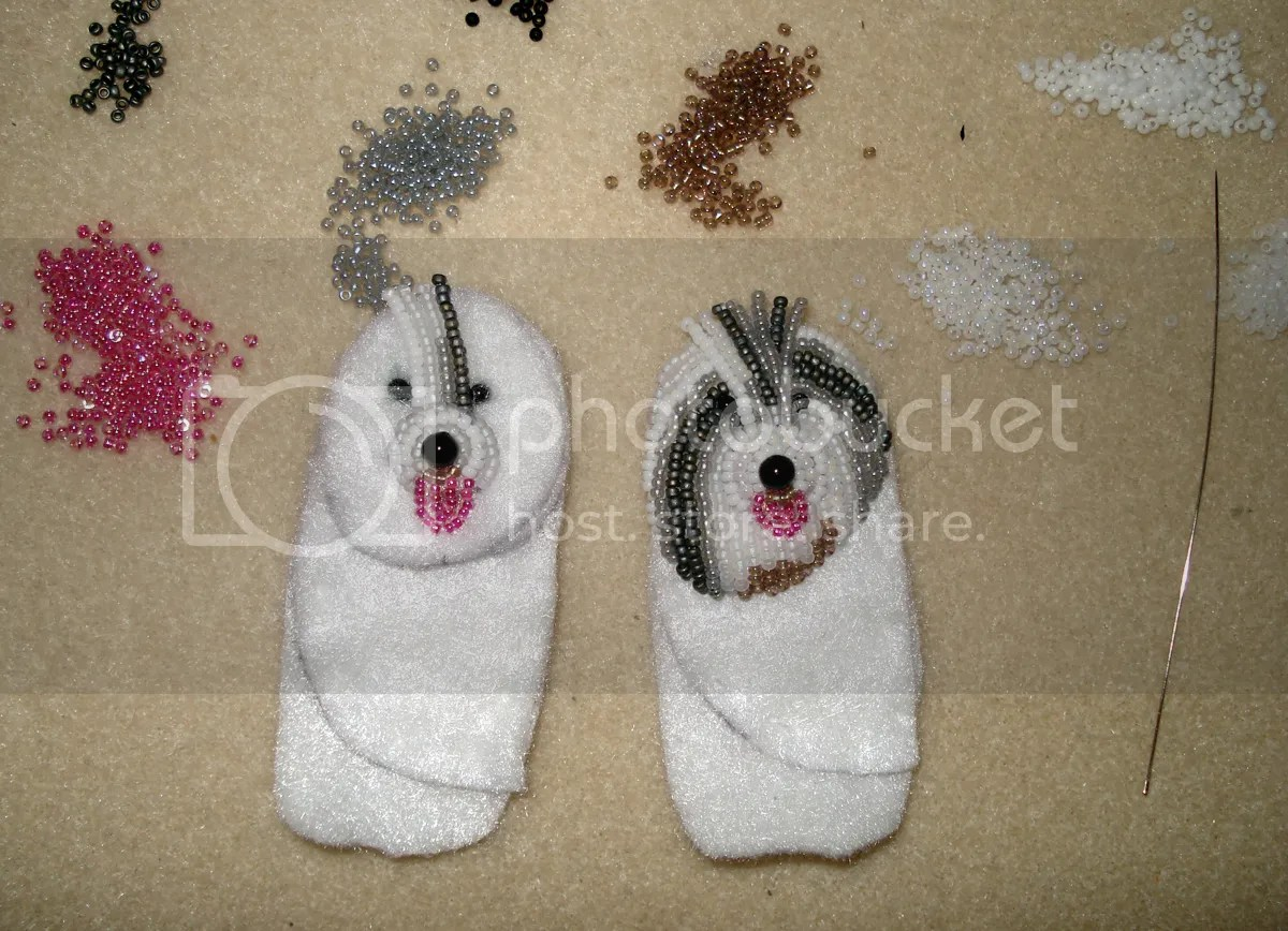commission a custom beaded old english sheepdog OES pet portrait pin pendant bead embroidery seed beads