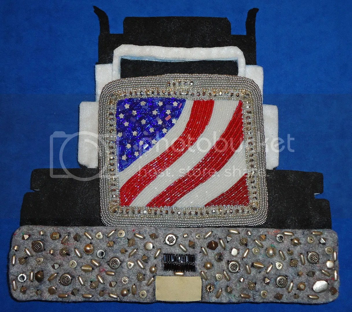 semi beaded Peterbilt tractor trailor felt bead embroidery beadwork car bead painting relief