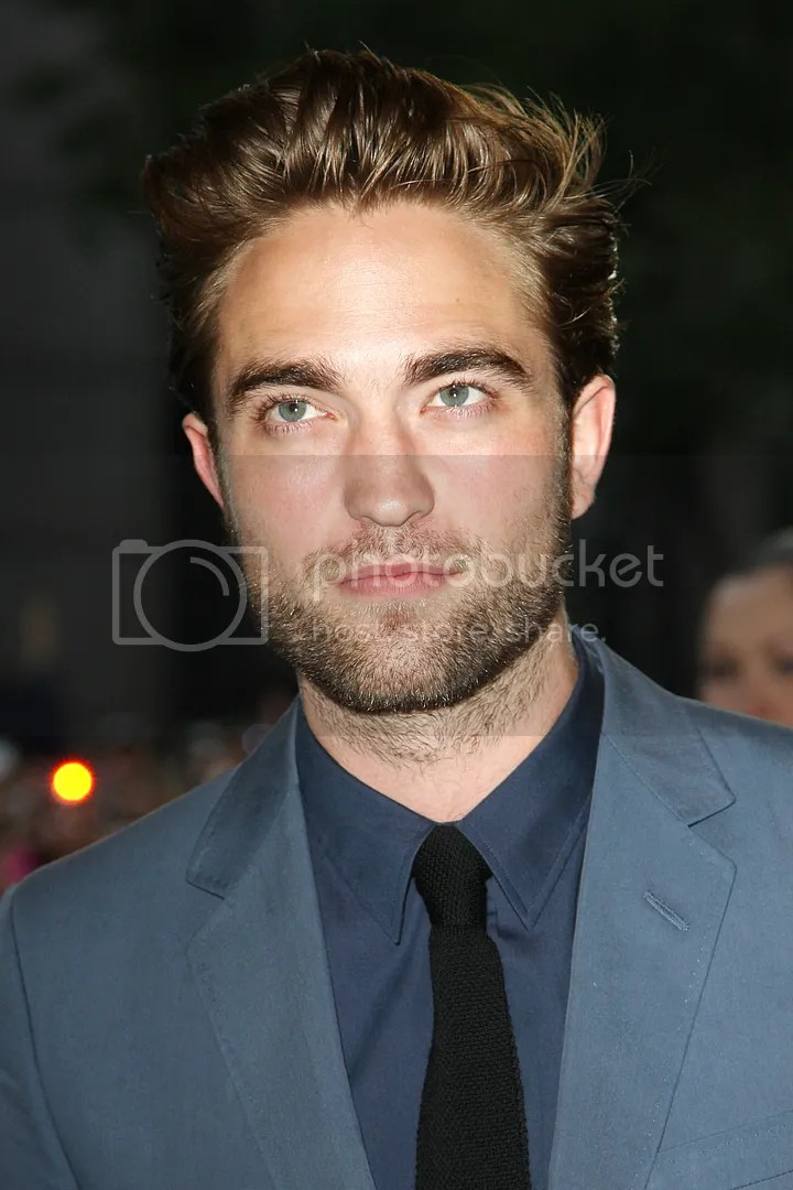 photo NEWHQRobertPattinsonCosmopolisPremiere136-1.jpg
