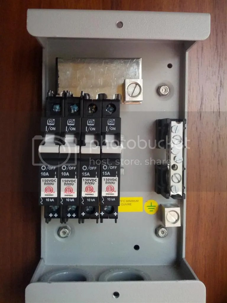 Unyalli Wiring Combiner Box Pv And A Cut Down Mnpv6 6 Position Breaker Bus Bar Combining The Positive Wires Via Dc Rated Breakers Turning This Into
