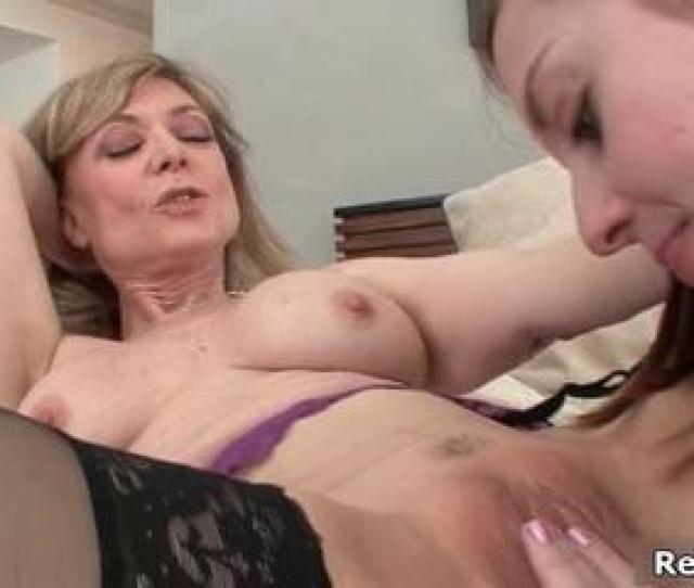 Sexy Mature Woman Gets Her Pussy Licked By Realfilly
