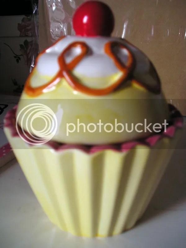 Ceramic Cupcake Trinket Box