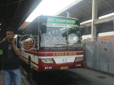 Aneka Jaya Surabaya-Pacitan AC Tarif Biasa