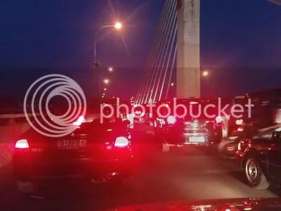 Macet di jembatan Pasupati