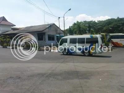 Minibus milik Pahala Kencana