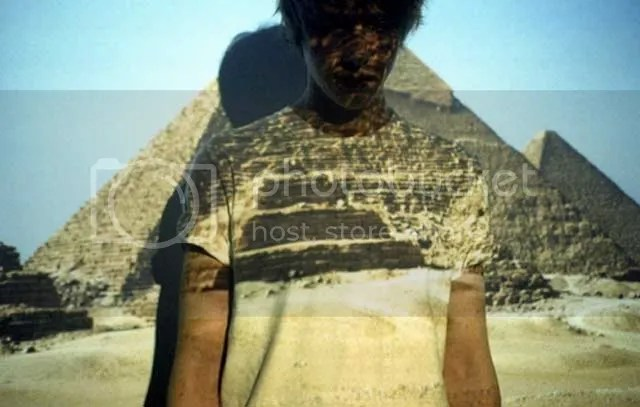 pyramid,boy,desert,blue