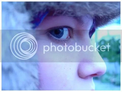 Le froid d'hiver qui mord mes joues donne des couleurs au ciel