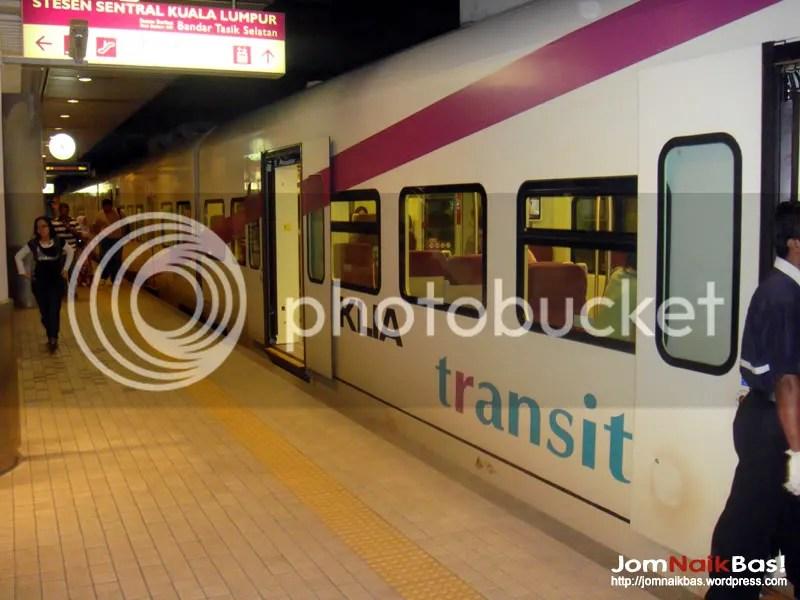 KLIA Transit arrives in KL Sentral some 20 minutes later.