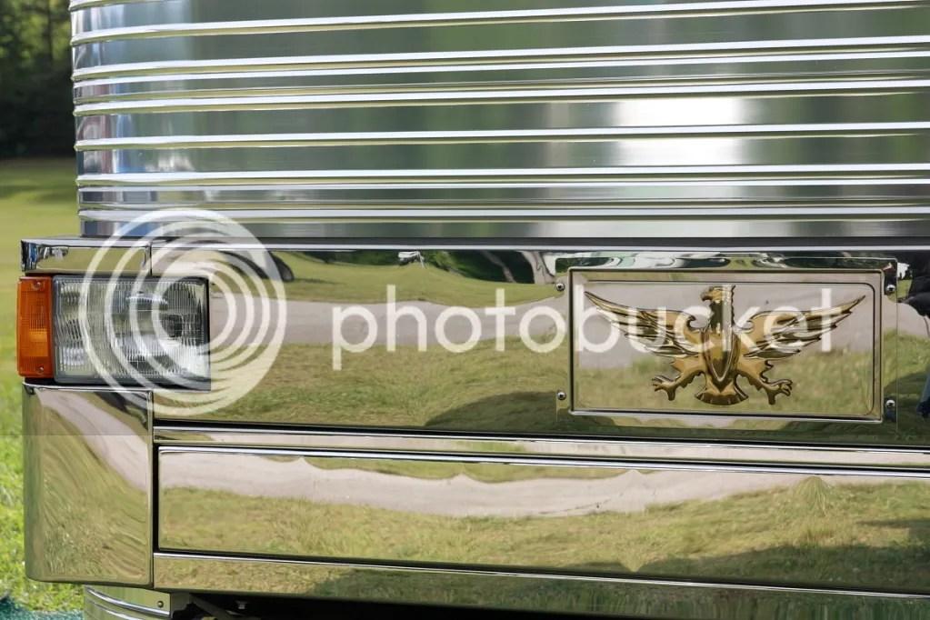 Bus Detail, Pal Cove Bus Nuts