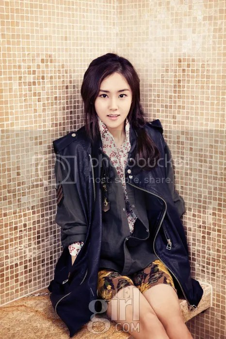 photo Gayoon4minuteVogueGirlJanuary20132_zps46f65942.jpg