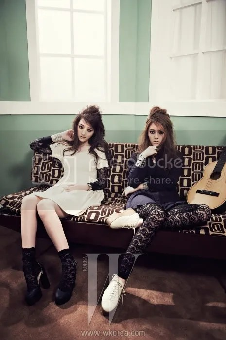 f(x) Krystal and Sulli � W Korea Magazine March Issue �12