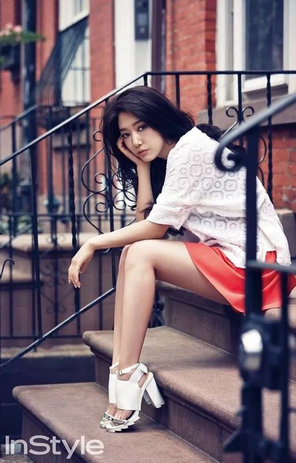 Park Shin Hye Is Casual Sexy In NYC For InStyle Korea And