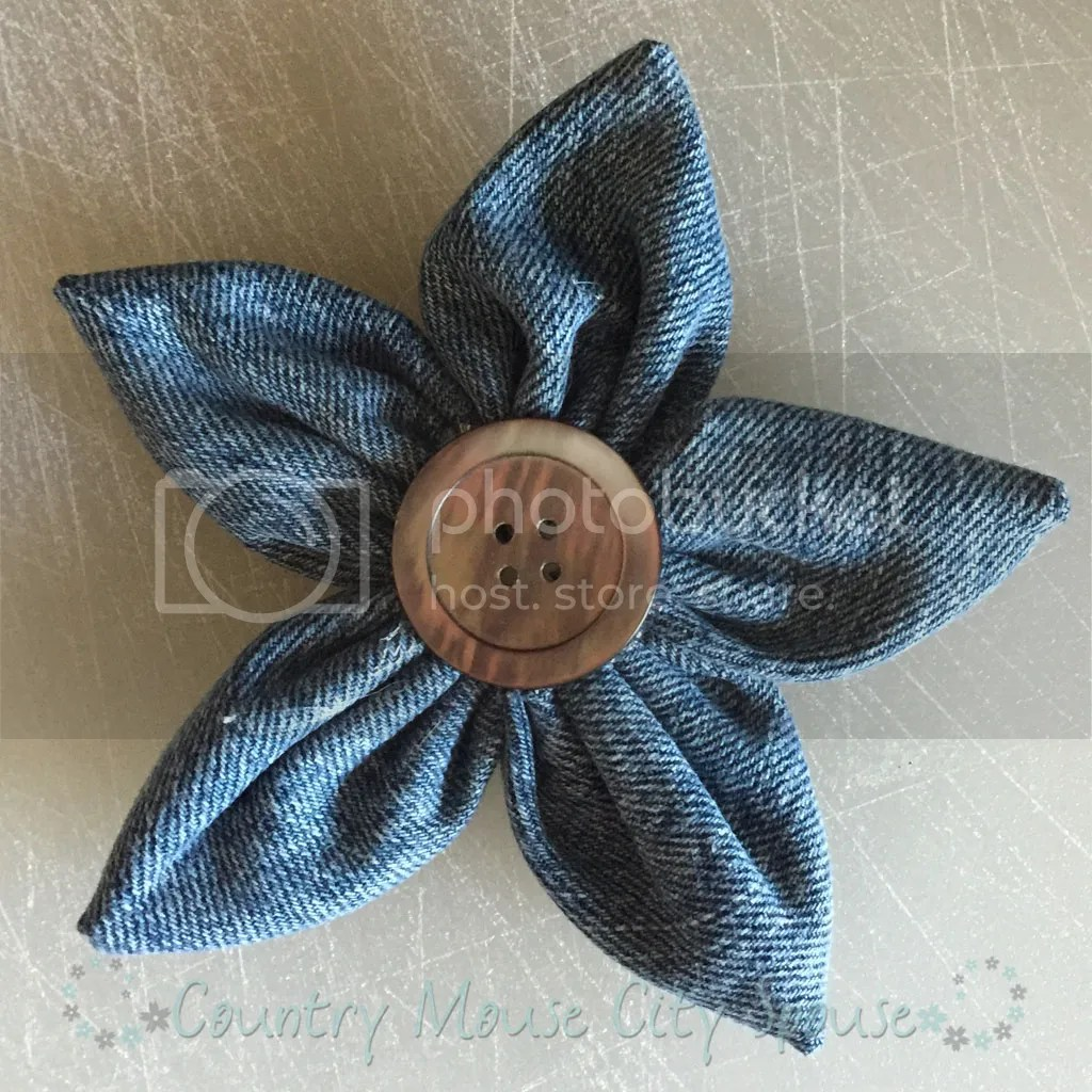 DIY Fabric Flower Tutorial- Country Mouse City Spouse