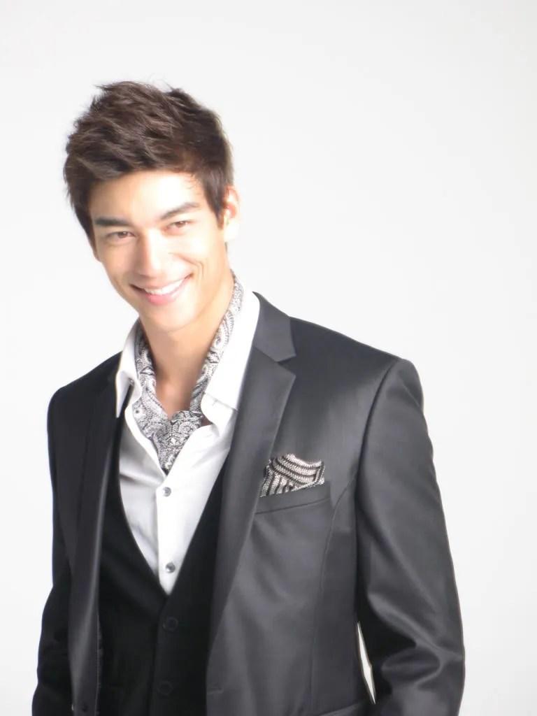 Ill admit: Asian guys are fuckin GOOD LOOKIN! Too classy, yo!
