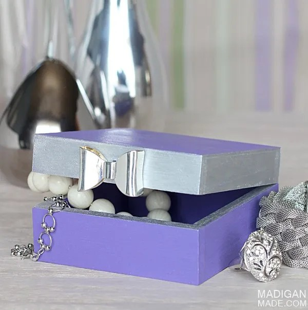 DIY trinket box with bow detail