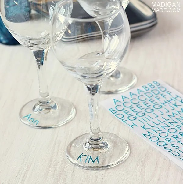 Simple way to mark your drink... use glitter stickers!