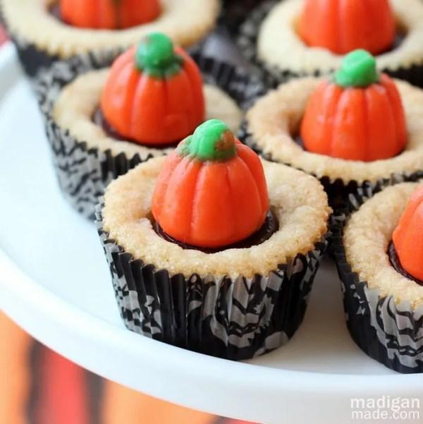 Pumpkin mini cookie cupcakes - recipe at madiganmade.com