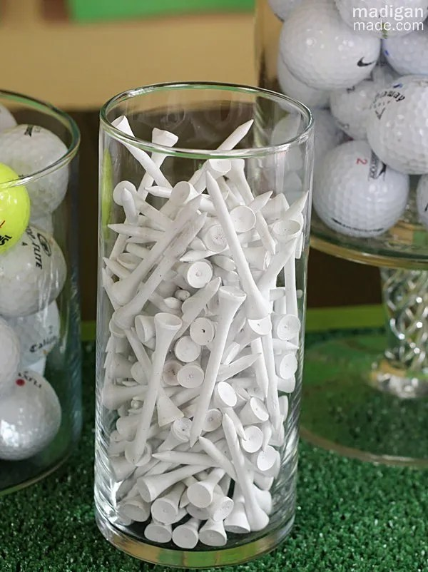fill a vase with golf tees
