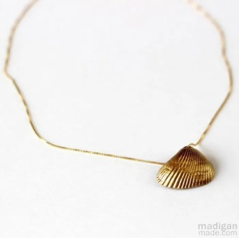 gold shell necklace pendant