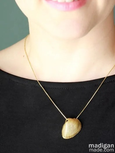 painted gold sea shell necklace