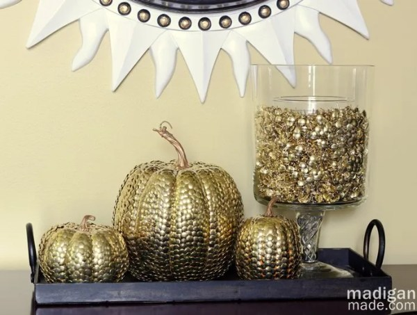 Elegant fall table decor: thumbtack pumpkins and vase filler. - details at madiganmade.com