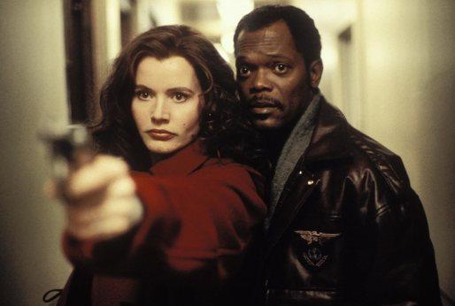 Geena Davis e Samuel L. Jackson insieme in una scena del film Spy