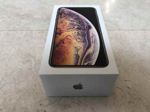 iPhone XS Max Box