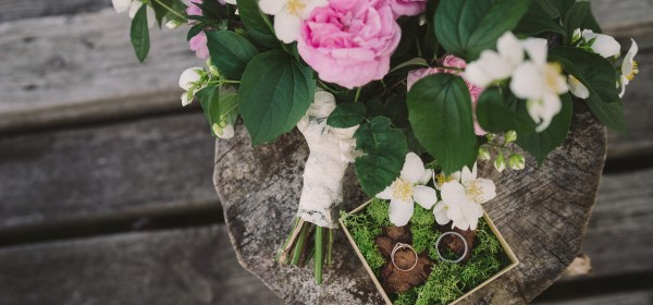 bouquet of jasmine and pink garden roses