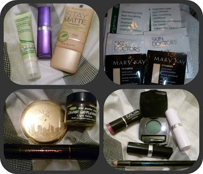 Holiday Makeup Bag – The Contents