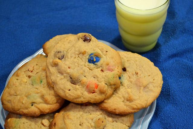 Giant Peanut Butter Pretzel M&M cookies
