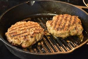 Philly Cheesesteak Burger_07