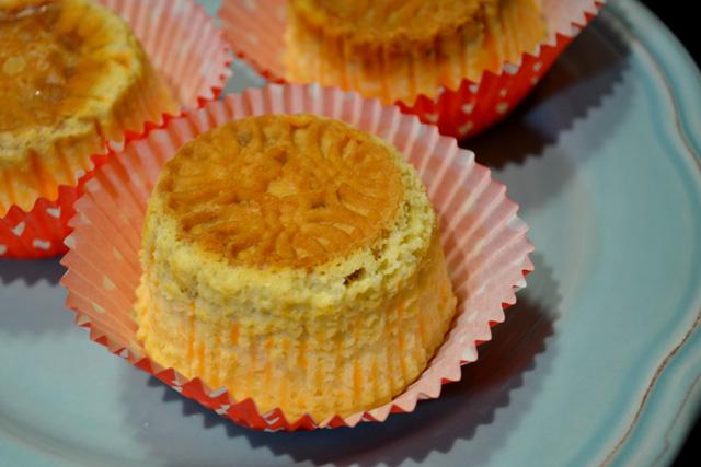 Mango Mini Cheesecakes