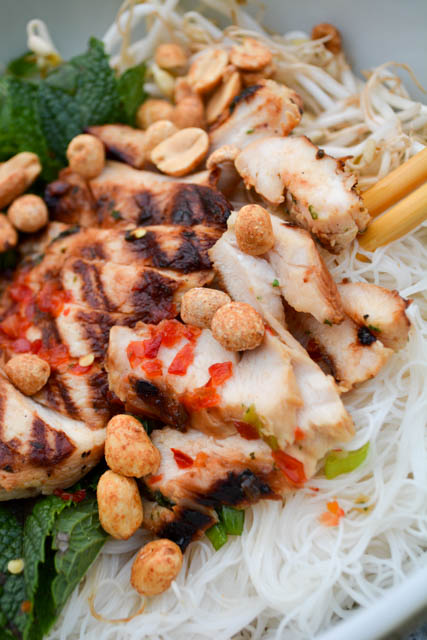 Grilled Chicken Vermicelli Bowl-2
