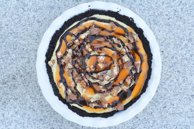 Twix Bar Cheesecake Pie-2
