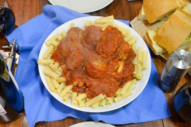 Slow Cooker Marinara w Mozzarella Meatballs-5