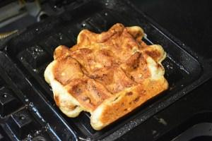Cinnamon Roll Waffles_06
