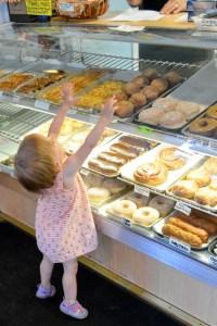 Home Sweet Home Doughnut Shoppe_04