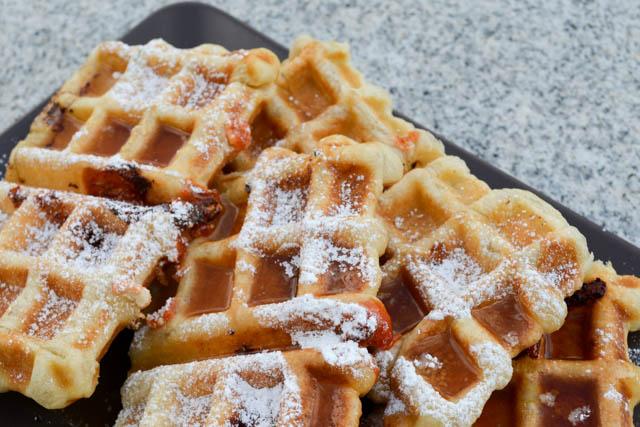 Guava & Cream Cheese Puffle Waffle-5