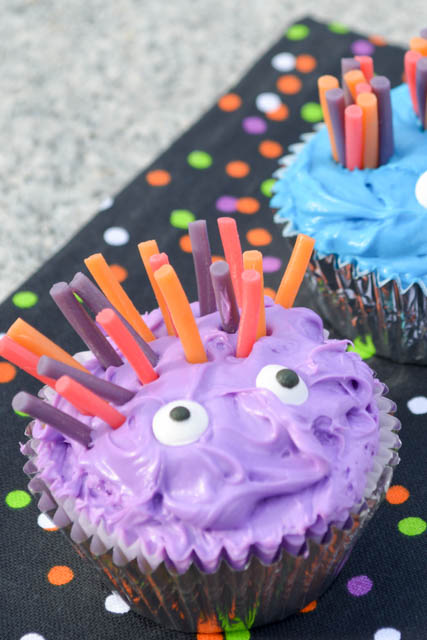 Halloween Monster Cupcakes-2