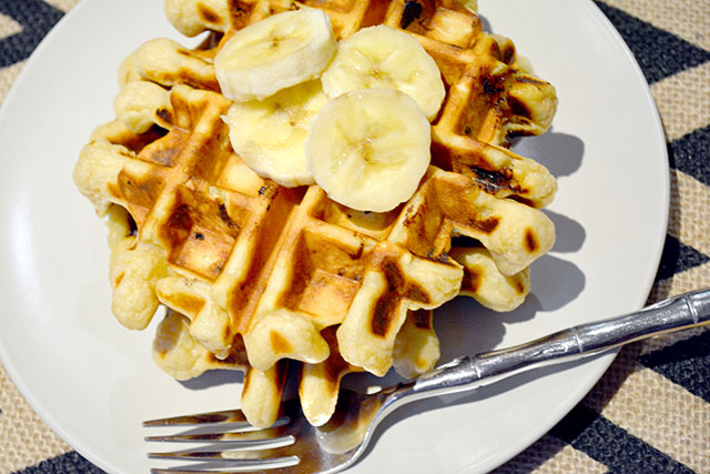 Peanut Butter Banana Waffles For Two_01