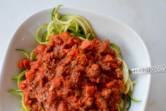 Quick Meat Sauce with Zucchini Noodles-3