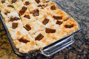 Smores Chocolate Chip Cookie Bars-12