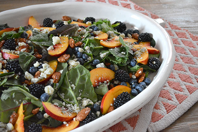 Nectarine and Berry Topped Salad with Pecans and Gorgonzola_01
