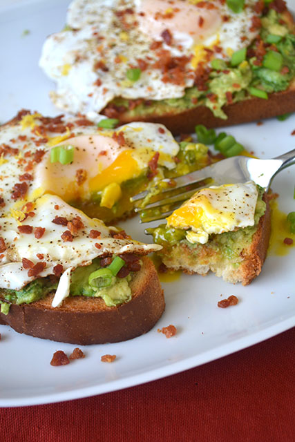 bacon-dusted-egg-topped-avocado-toast_02