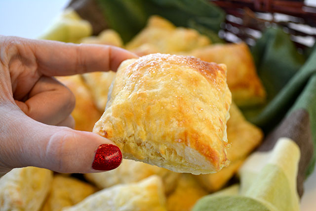 guava-and-cream-cheese-turnovers-guava-pastelillos_03