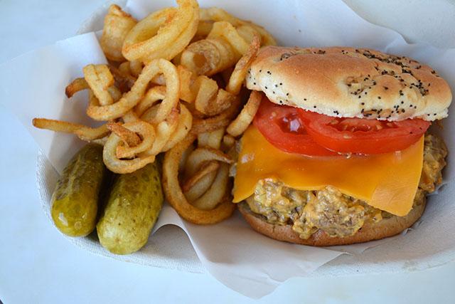 slow-cooker-cheeseburgers_04