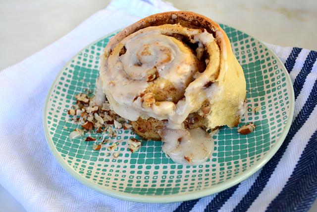 nutty-cinnamon-rolls_03